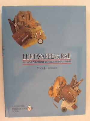 Luftwaffe vs. RAF: Flying Clothing of the Air War, 1939-45 , Volume 2