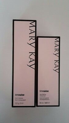 Mary Kay TimeWise 3 in 1 Cleanser & Age Fighting Moisturiser Set Misch/fettige