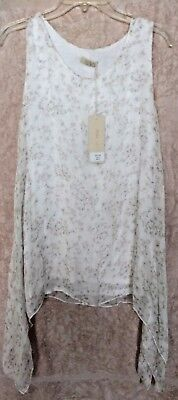 62be08362f9fdc Giusy 100% silk white floral tank top with extended shark bite size Small