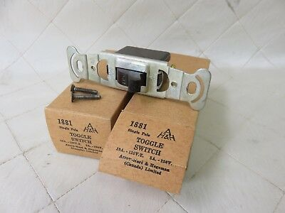 2 x Vintage Brown Bakelite Single Pole Toggle Switch 1881 Canada New Old Stock