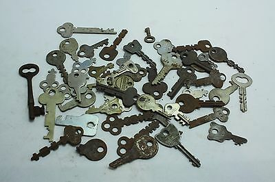 Lot of 50 Vintage Keys Flat Skeleton Lock Arts Crafts Steampunk