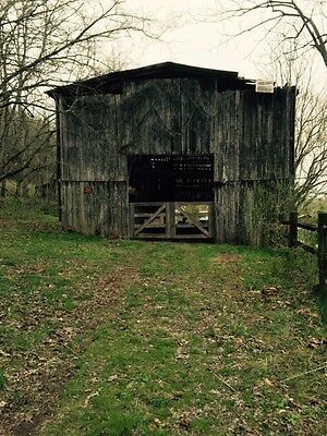Antique Tennessee Barn - Reclaimed Wood millwork lumber 70' x 40' x 18'