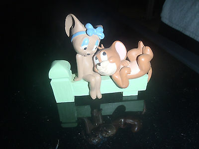 Extremely Rare! Tom & Jerry Jerry & Girlfriend on Bench Small Figurine Statue