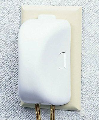 Safety 1st Plug 'N Outlet Covers 4 Pack Child-resistant Double-touch Release