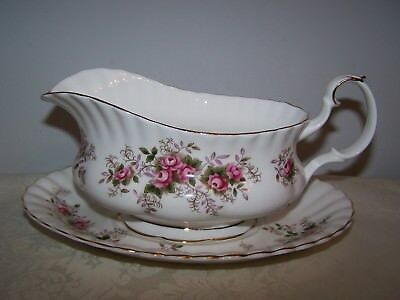 Beautiful Royal Albert Bone China Lavender Rose Gravy Boat And Stand