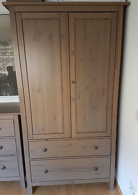 ikea hemnes kleiderschrank mit 2 schubladen graubraun. Black Bedroom Furniture Sets. Home Design Ideas