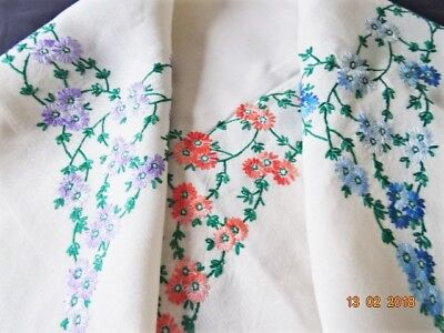 VINTAGE HAND EMBROIDERED PALE IVORY LINEN TABLECLOTH-lots of embroidery -