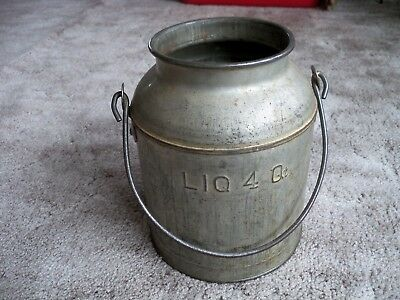 Vintage metal 4 Qt Cream can with Bail Milk Can Dairy Farm Estate metal pail