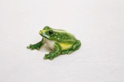 Figurine Animal Green Frogs Ceramic Miniature Statue Collectible Small Gift