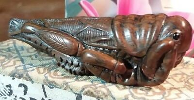 Netsuke antique Japanese boxwood Cricket