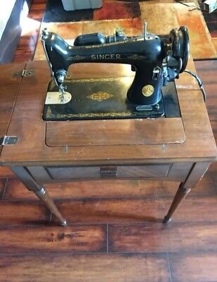 Vintage 1947 Singer 66-16 Sewing Machine with Stand - WORKING!