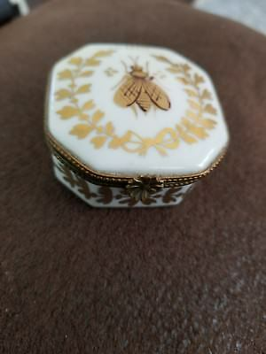 Vintage Limoges France Decor Main Gold Bee Hexaganol Hinged Trinket Box Sgn