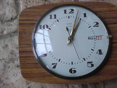 "Pendule Horloge Quartz Murale ""trophy"" Made In France Retro Vintage Collector"