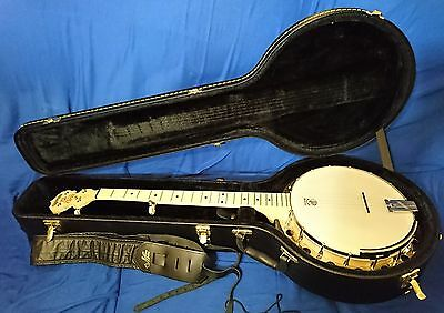 Deering Goodtime Grand Ole Opry 5 String Resonator Banjo & Hard Case - As New