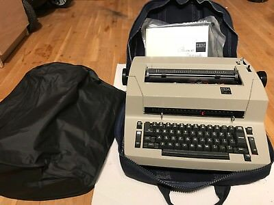 IBM Personal Typewriter Selectric 1982 W/original carrying case, dust cover, etc