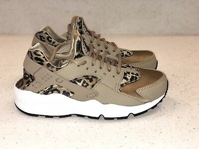 93f9182305769 NIKE AIR HUARACHE Run Print sz 6.5 Womens Leopard 725076-200 ...