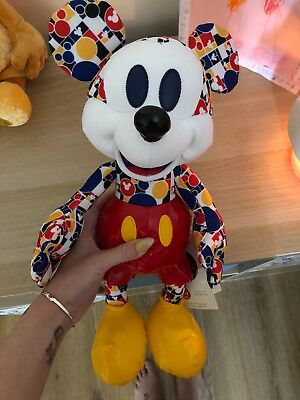 Mickeys Memories 3/12 March Mickey BNWT **SOLD OUT**
