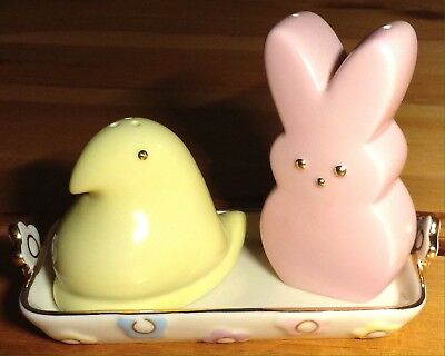 Retired 2009 Lenox PEEPS salt and pepper shakers chick and bunny