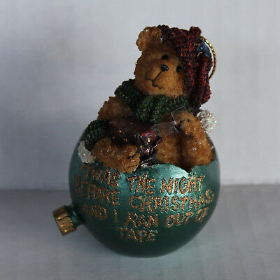 2004 BOYDS BEAR Christmas Ornament - Night Before Christmas...Ran Out of Tape