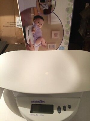Babies R Us  Electronic Infant Baby & Toddler Scale - Preowned