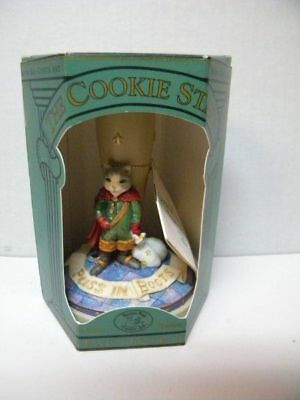 NIB PUSS IN BOOTS 1997 Retired Brown Bag Cookie Stamp w/Recipe Hang tag