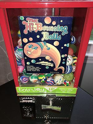 Toy N Joy Bouncing Ball Vending Machine Rubber Ball for Game Room Mancave Arcade
