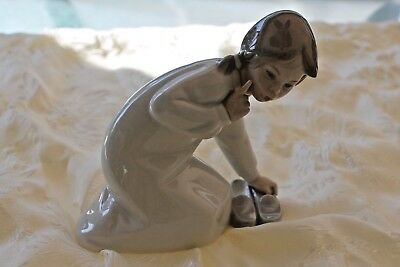 Vintage Retired Lladro #4523 Girl with Slippers Figurine