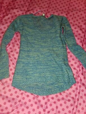 BLUE Gap Maternity 🎀Sweater Size Small vneck tunic style soft comfy and cute!!