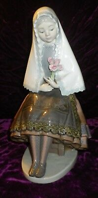 "Rare 1982-85 Lladro #5127 Girl Sitting With Roses 10"" Spanish Porcelain Figurine"