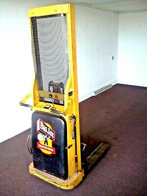 BIG JOE Hydraulic Lift Truck - 12 volt - Push style