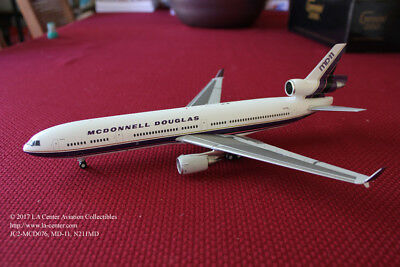 JC Wing McDonnell Douglas MD-11 House Color Purple Undercarriage Model 1:200