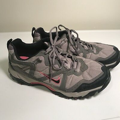 reputable site c93d8 1f39a NIKE ACG All-Trac Trail Hiking Shoes Women s Size 9 Vintage EUC Gray   Pink