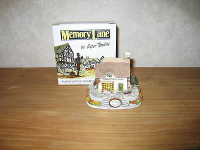 MEMORY LANE *NEW* Maison Cottage Village Baker 9x11cm