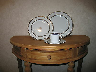 PHILIPPE DESHOULIERES *NEW* ARTIK 6747 Set 2 Assiettes + 1 Tasse