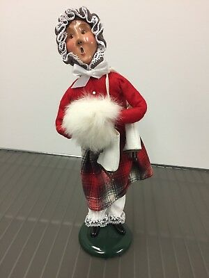 BYERS CHOICE CAROLER 1996 Female with ice skates & hand muff