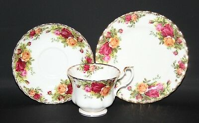 Royal Albert - Old Country Roses - Trio of Tea Cup, Saucer, Side Plate - vgc