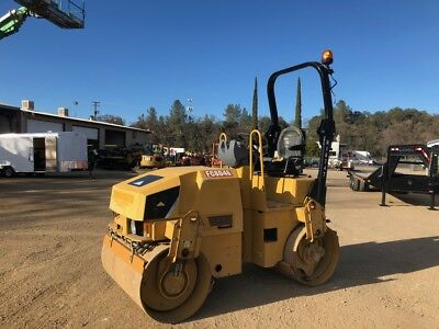 2013 Caterpillar Cb32 Tandem Smooth Drum Rollers-Low Hours-736 Original Hours!