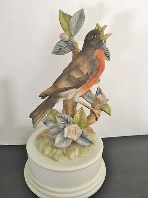 PORCELAIN ROBIN MUSICAL FIGURINE, Japan, 1967, great used condition
