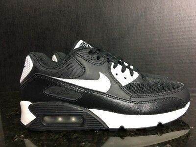 innovative design bac6d 74839 Nike Air Max 90 Essential Running Shoes Size 7.5 Black White 616730 023