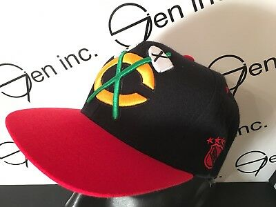 Mitchell & Ness NHL Chicago Blackhawks Vintage Snapback Hat Red Black Yellow