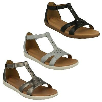 1612de56e3e Ladies Clarks Unstructured Leather T-Bar Riptape Casual Sandals Un Reisel  Mara