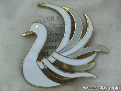 Lovely Vintage 70/80S White And Grey Enamel Swan Brooch