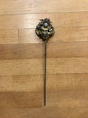Antique chinese hairpin made from gilt metal and jade beads
