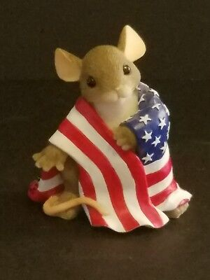 Charming Tails Wrapped with Pride 89/139  Patriotic Mouse w/Flag EXCELLENT COND.