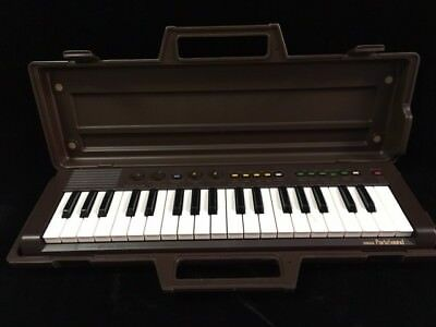 Vintage Yamaha PortaSound PS-3 Portable Keyboard with Case