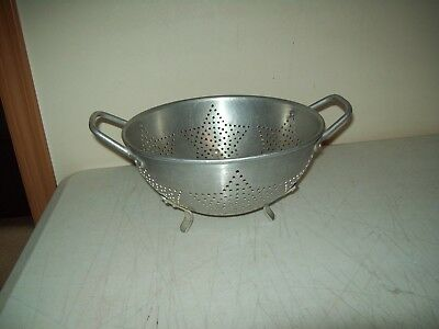 Vintage colander classic star pattern aluminum old timer 9 by 4 inches