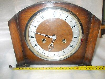 OAK MANTEL CLOCK WITH SMITH ENFIELD MOVEMENT IN WORKING ORDER (no key)