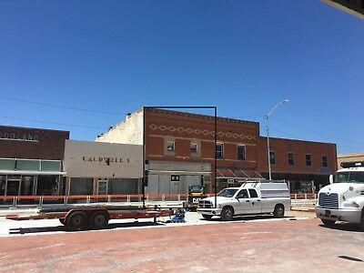 100 Year Old 2 Story Brick Building, store front and 3 apartments NEW ROOF