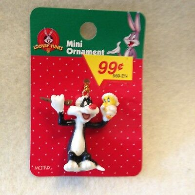 Looney Tune Mini- Ornament By Matrix Sylvester And Tweety Bird