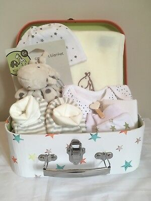Baby gift set.Girl Boy.0-3mth. Baby shower Christening.Beautiful suitcase boxed.